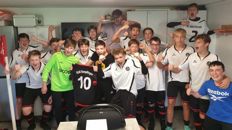 B-Junioren mit Fußballfest am Waldeck